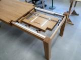Dubový rozkládací stůl