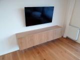 Skříňka pod TV - dýha dub